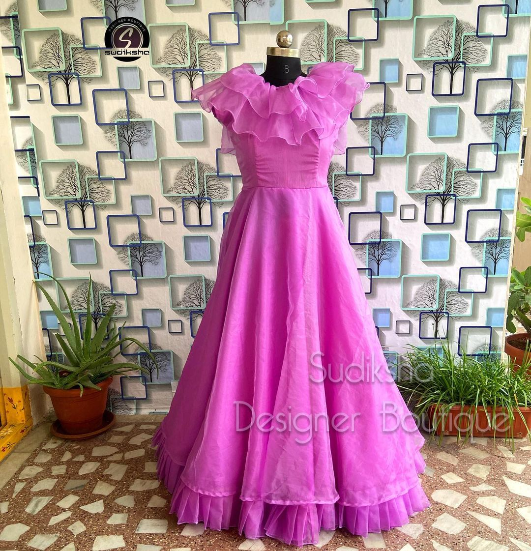 Gorgeous lavender color ruffle long gown. 2021-10-03