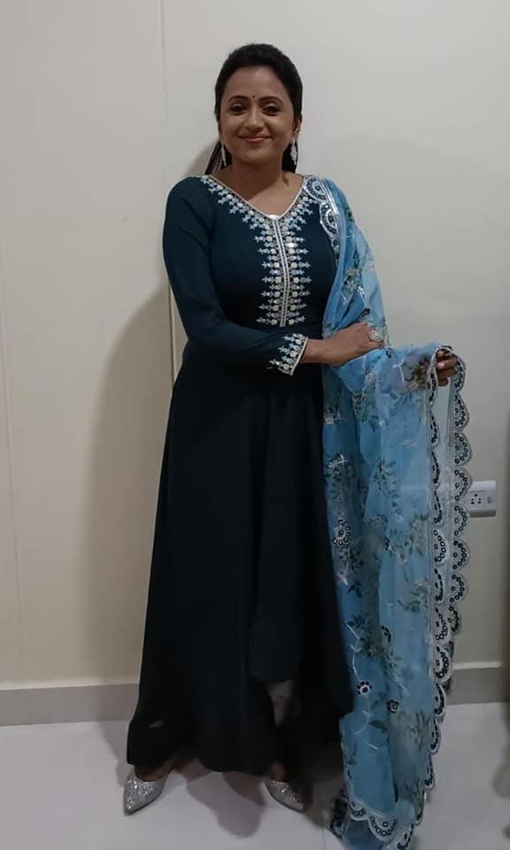 Beautiful anchor Suma Kanakal for Konda Polam Audio Launch at Kurnool. It was a fantastic event.  Outfit : label dishana. Jewlry : Nearly newrobe. 2021-10-04