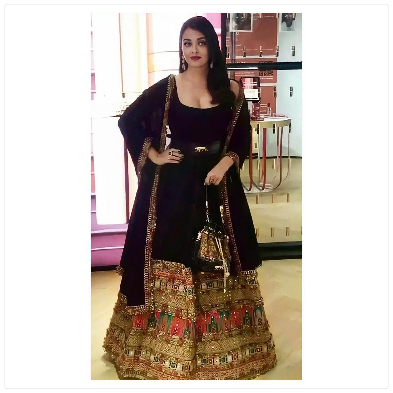 Aishwarya Rai Bachchan in Sabyasachi clothing jewellery  and accessories  in Dubai UAE. 2021-10-07
