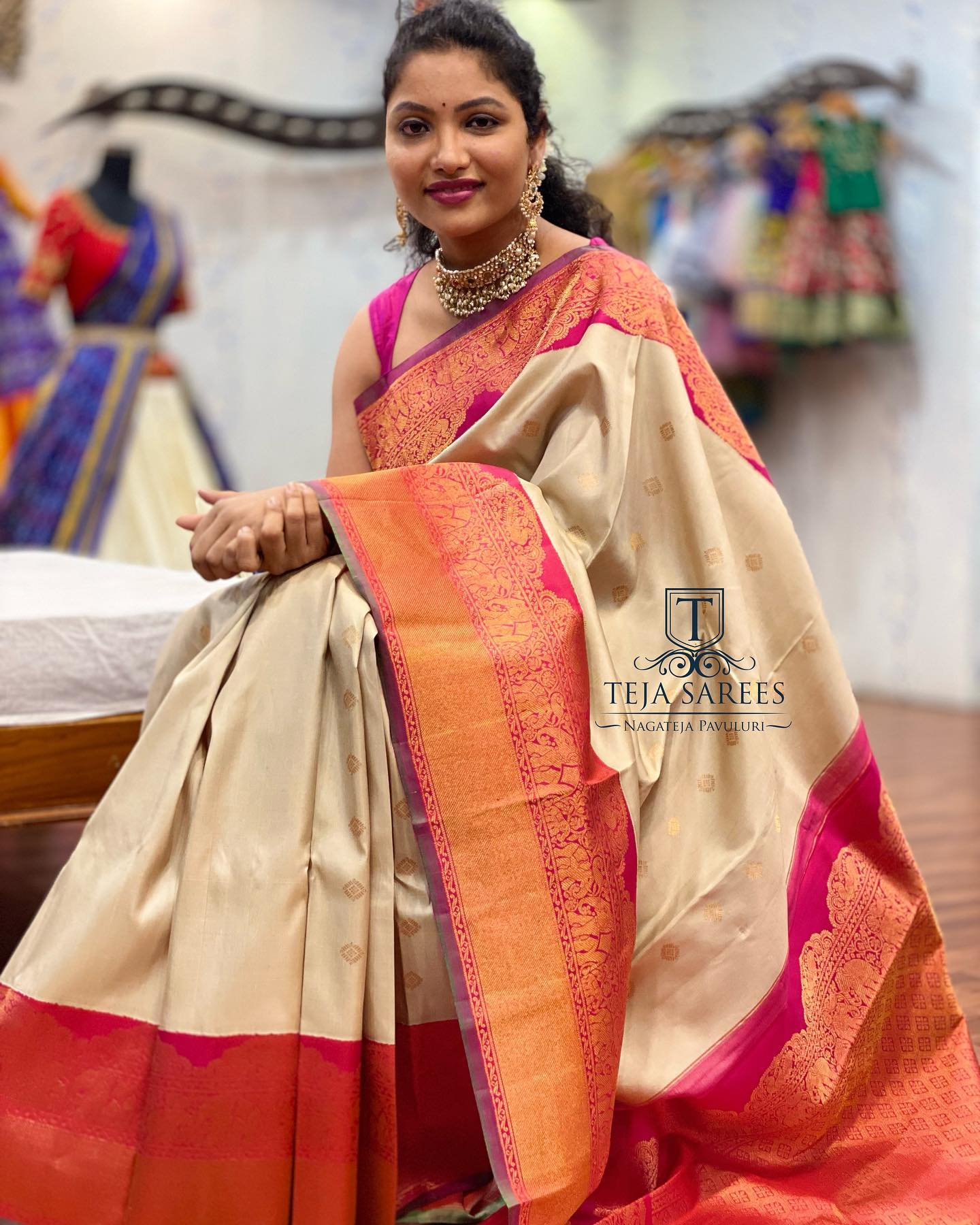 Beautiful designer Teja Pavuluri in Gadwal pattu saree. 2021-10-07