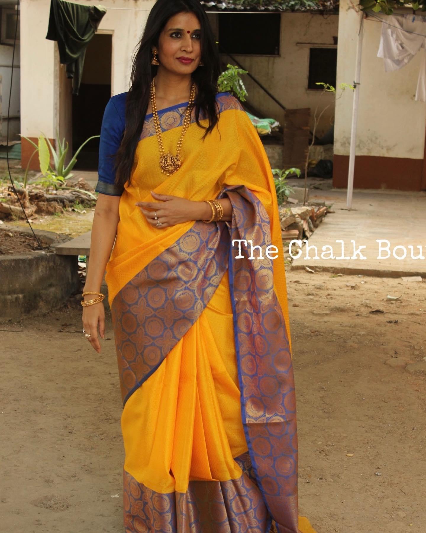 Yellow Muslin Tanchoi Semi Katan Benarasi silk saree with all over weave. 2021-10-11