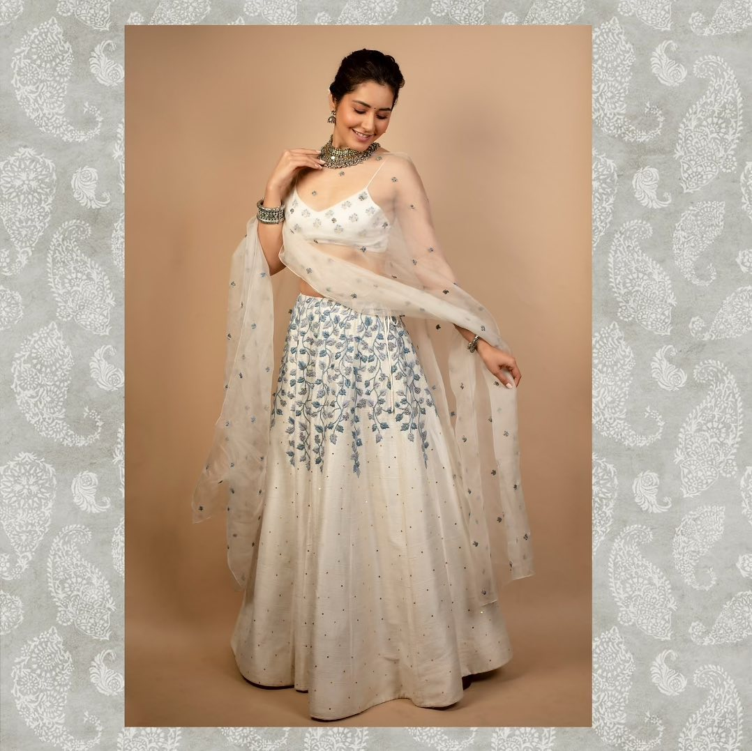 Beautiful actress Raashi Khanna for Aranmanai3 pressmeet . Lehenga - house of hiya . Jewellery- Neeta boochra  jewellery and Ascend Rohank . Styled by Alliaalrufai  . 2021-10-12