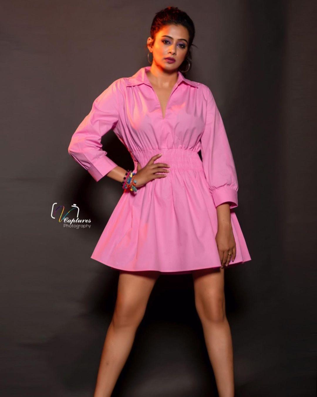 Beautiful actress Priyamani in pink color zara knee length dress. Dress : Zara. Styling: Mehek Shetty. 2021-10-13