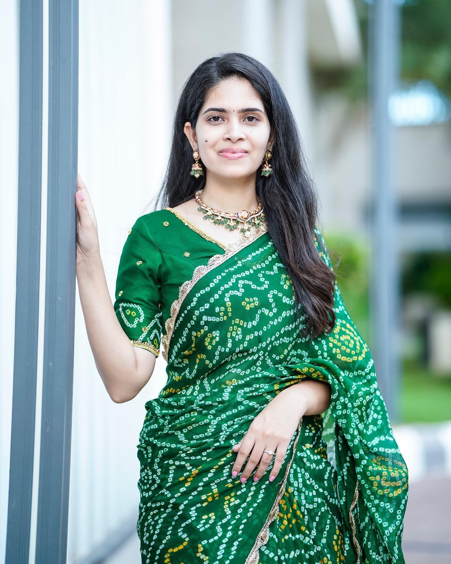Green bandhej crepe saree zardosi embroidered blouse. Blouse is fully stitched and  Saree has done with fall and pico  Fabric : crepe 2021-10-15