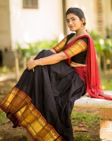 Gorgeous actress Eesha Rebba in balck pattu langa voni for Deshara celebrations. 2021-10-16