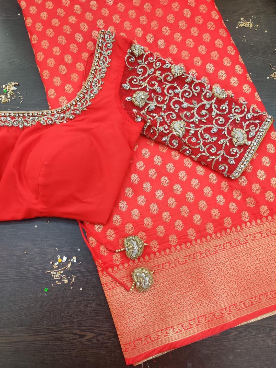 Diwali saree sale.  Banarasi soft silk saree super soft and flowy in lovely colors.  Dm to order Limited stock. . . Place your orders now!  . . For orders and queries  please whatsapp on  9952093562 or Reach on 044 4262 4085. 2021-10-18