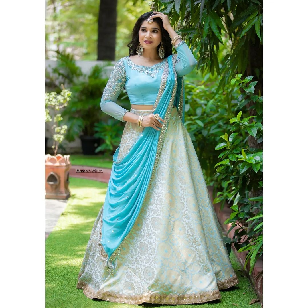 Icy blue lehanga. Icy blue banaras full flare skirt paired with embroidered blouse and duaptta finished with mirror border. . . Place your orders now!  . . For orders and queries please whatsapp  on  9952093562 or Reach on 044 4262 4085 . 2021-10-19