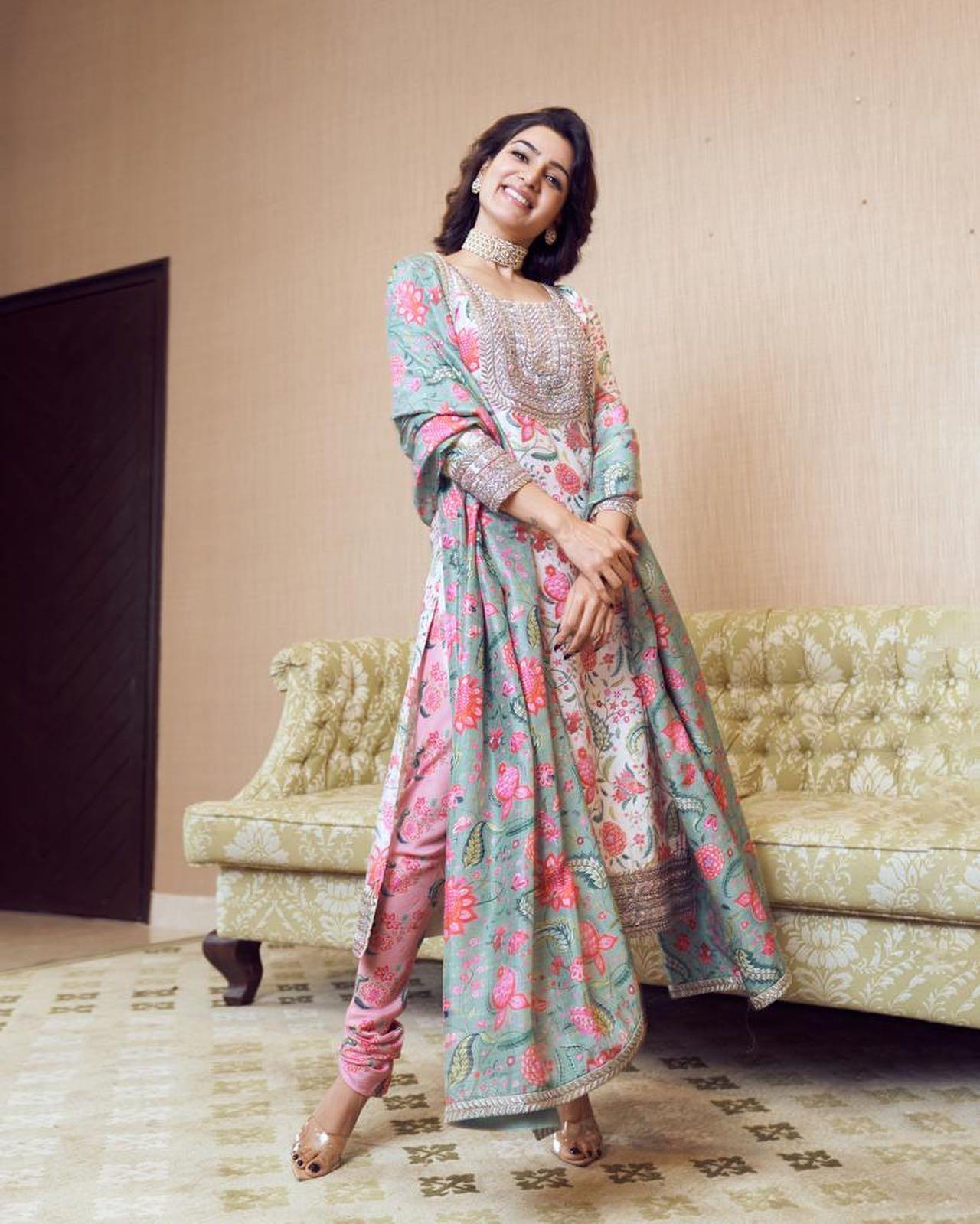 Actress Samantha Ruth Prabhu is all smiles wearing Chitra Karajaan Kurta Set.  2021-10-22