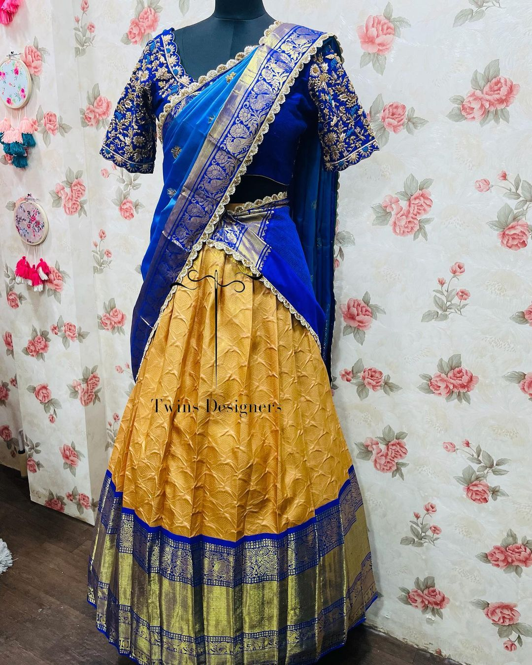 Gorgeous mustard yellow and blue color combination traditional pattu lanaga voni. 2021-10-22